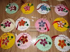 Martisoare quilling 1 Decembrie, 8 Martie, Diy And Crafts, Paper Crafts, Diy Tutorial, Felting, Quilling, Minis, Cook