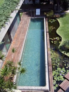 Having a pool sounds awesome especially if you are working with the best backyard pool landscaping ideas there is. How you design a proper backyard with a pool matters. Backyard Pool Designs, Small Backyard Pools, Swimming Pools Backyard, Ponds Backyard, Swimming Pool Designs, Swiming Pool, Outdoor Pool, Backyard Landscaping, Lap Pools