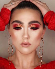 OMG look at this! So beautiful <3 These makeup looks are true inspiration! Whether you're creating dramatic makeup looks or something for everyday you need the latest releases to create! Our calendar helps you keep track of all upcoming product releases and sales! #makeuplooks #makeuplookseveryday