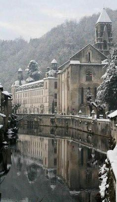 The beautiful small town of Brantôme in the Pèrigord Blanc,