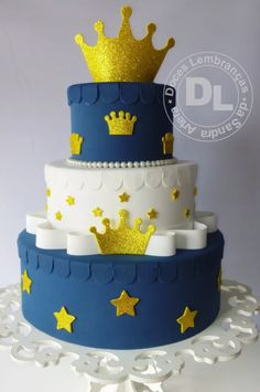 18th Birthday Cake For Guys, Baby Girl First Birthday, First Birthday Cakes, Prince Birthday Party, 1st Birthday Parties, Prince Cake, Royal Prince, Little Prince Party, Felt Cake