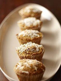 花ではなくてココナッツの粉のこと。「ココナッツフラワー」は、食物繊維が豊富で低炭水化物、そしてグルテンフリー。知っておきたい便利なパウダーを知ろう!