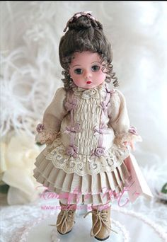 Madame Alexander doll, looking very sweet in a Victorian-style outfit. My only b… Madame Alexander doll, looking very sweet in Victorian Dolls, Antique Dolls, Vintage Dolls, Pretty Dolls, Cute Dolls, Beautiful Dolls, Girl Dolls, Baby Dolls, Porcelain Dolls Value
