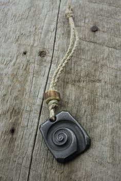 Image of Scroll pendant/keychain