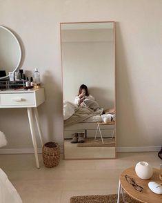 Room Design Bedroom, Room Ideas Bedroom, Home Room Design, Bedroom Decor, Study Room Decor, Linen Bedroom, Bedroom Modern, Minimalist Room, Minimalist Design