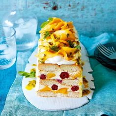 """140 Me gusta, 4 comentarios - Aussie Mangoes (@aussiemangoes) en Instagram: """"Heading to a New Year's Day BBQ? Why not whip up this absolute show-stopper of a piña colada mango…"""""""