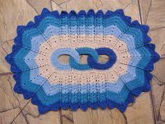 Resultado de imagem para RECEITA PASSO A PASSO DE TAPETES EM CROCHE COM ELOS Diy And Crafts, Carpet, Crochet Hats, Blanket, Pattern, Projects, Blog, Crochet Carpet, Carpet Ideas
