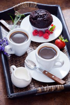 Coffee and chocolate muffins for breakfast Black coffee in white cups and chocolate muffin with red berries on a dark wooden tray by letterberry Good Morning Coffee, Coffee Break, Chocolate Muffins, Chocolate Coffee, Mini Desserts, Coffee Cafe, Coffee Drinks, Pause Café, Coffee Photography