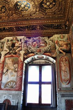 Just one part of the beautifully decorated Palazzo Vecchio in Florence, Italy Renaissance Architecture, Historical Architecture, Amazing Architecture, Landscape Architecture, Palazzo, Voyage Florence, Firenze Italy, Florence Tuscany, Parks