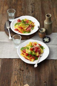 Tomaten-Lasagne mit Liebstöckelsauce (Heft: August 2015) Foto © Ulrike Holsten für ARD Buffet Magazin