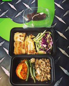Start your day happy and eating clean  @cleanmealsmiami 305 266 9298 #dlabnutritionprogram #cleanmealsmiami #eatclean #stayclean #stayfit #stayhealthy #foodcatering #wehavetheformula by alubi