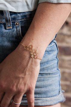 Messing Armband Waben gold minimalistisch  von State of A auf DaWanda.com