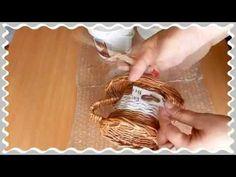 weaving newspapers cup crafts out of paper tejer la artesanía periódicos taza de papel - YouTube