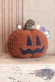 Wool Pumpkin Pin Keep