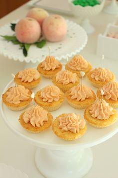 Coconut cupcakes at Carlota's birthday party