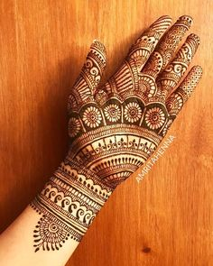 Find and explore latest Dulhan mehndi designs for legs and hands. More than 25 beautiful Bridal mehendi designs images available here. Latest Bridal Mehndi Designs, Mehndi Designs Book, Full Hand Mehndi Designs, Legs Mehndi Design, Mehndi Designs For Girls, Mehndi Designs For Beginners, Mehndi Designs 2018, Wedding Mehndi Designs, Mehndi Design Pictures