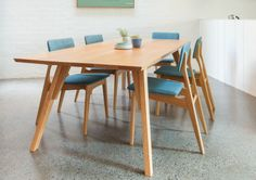 Tide Design Estrella Dining Table with Yo Chair 02