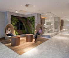 Traveller Lounge Terminal Heathrow, London (completed by Inside Out Architecture Airport Architecture, London Architecture, Interior Architecture, Airport Lounge, Office Lounge, Lounge Couch, Office Reception, Lounge Design, Cafe Design