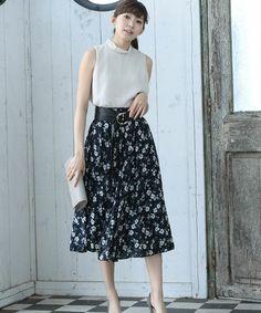 【ZOZOTOWN】r.p.s(アールピーエス)のスカート「花柄ロングフレアースカート」(0550206799)を購入できます。
