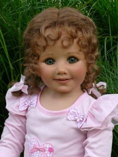 monika peter leicht dolls  I WANT THIS DOLL !!! Kinda looks like me when I was a baby :)
