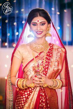 bengali bride Bengali Bride, Bengali Saree, Bengali Wedding, Bengali Bridal Makeup, Indian Bridal, Bridal Makeover, Bride Poses, Bridal Photoshoot, Bride Portrait