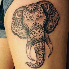 Stilisierter Elefantenkopf schwarze Tinte Tattoo