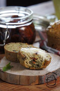 Bułki paleo z suszonymi pomidorami Muffin, Rolls, Gluten Free, Bread, Breakfast, Food, Morning Coffee, Muffins, Meal