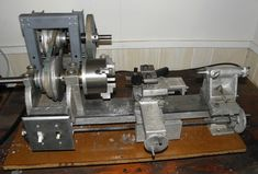 """A Gingery Lathe made based on the book """"The Metal Lathe"""" by David Gingery. My lathe is by no means perfect but it is an example of a Diy Lathe, Lathe Tools, Wood Lathe, Grinding Machine, Milling Machine, Machine Tools, Homemade Lathe, Homemade Tools, Cool Tools"""