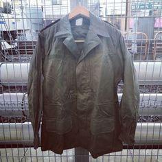 1968年【NEWOLD】FRANCE MILITARY 『SATIN300』JACKET デッドストック M64  フランス軍 サテン300 ジャケット Field Jackets, Military, Leather Jacket, France, Navy, Fashion, Studded Leather Jacket, Hale Navy, Moda