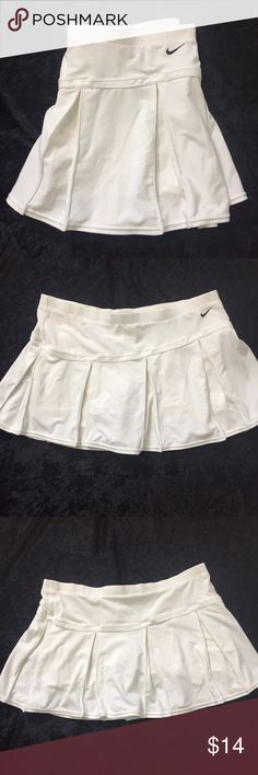 Nike fit dry skort tennis skirt active wear L Nike tennis skirt (skort) in white. Size is Large (12-14) Overall good condition. Nike Shorts Skorts
