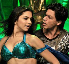 Shahrukh Khan and Deepika Padukone - Love Mera Hit Hit song - Billu Barber (2009)