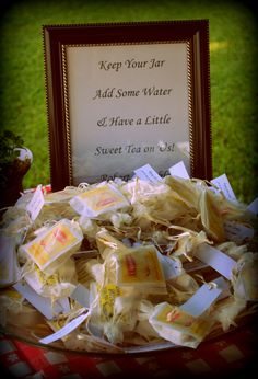 So cute! My boyfriend and I love sweet tea, so when the time comes, this could be a nice favor.