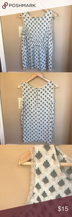 LC Lauren Conrad Deco Decadence Ruffle Tunic NWT LC Lauren Conrad Tunic. Has ruffle that sits right under chest. Light grey lace around the arm holes. Super cute, but is too big on me. 100% Polyester. Made in Philippines 🇵🇭 LC Lauren Conrad Tops Tunics