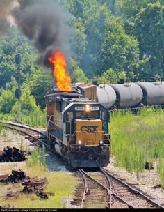 This is what happens when you blow a turbo on a train. Diesel Locomotive, Steam Locomotive, Train Tracks, Train Rides, Csx Transportation, Railroad Pictures, Railroad Photography, Train Pictures, Electric Train