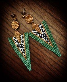 Crochet Edging Patterns, Peyote Patterns, Baby Knitting Patterns, Beading Patterns, Seed Bead Earrings, Diy Earrings, Crochet Earrings, Bead Jewellery, Beaded Jewelry