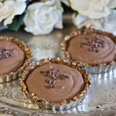 Chocolate banana tarts - grain and refined sugar-free. Recipe at www.strandsofmylife.com