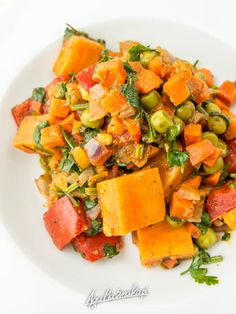 Butternut Squash and Arugula salad is tossed with apple cider vinegar, dried cranberries and almonds for a seasonal side dish that's healthy and flavorful. Healthy Salad Recipes, Lunch Recipes, Summer Recipes, Appetizer Recipes, Healthy Snacks, Vegetarian Recipes, Savoury Recipes, Simply Recipes, Side Recipes