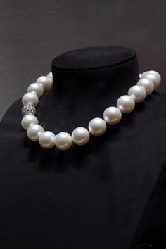 PEARLFECION  / such a beautiful pearl necklace