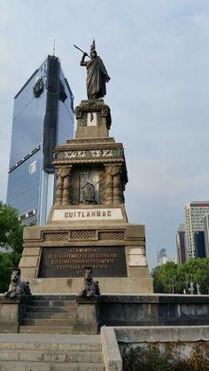Glorieta de Cuauhtémoc. Paseo de la Reforma DF Mexico City http://pachucochilango.com/