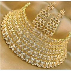 Elegant necklaces which truly are gorgeous. Diamond Choker Necklace, Diamond Bracelets, Jhumkas Earrings, Bride Necklace, Bangles, Dior, Indian Wedding Jewelry, Pakistani Jewelry, Indian Jewelry