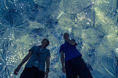 Perdez-vous dans un immense labyrinthe cosmique | The Creators Project