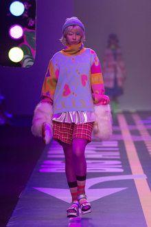 Live Fashion, Fashion Week, Pop Fashion, Runway Fashion, Fashion Show, Fashion Outfits, Japon Street Fashion, Japanese Street Fashion, Mode Pop