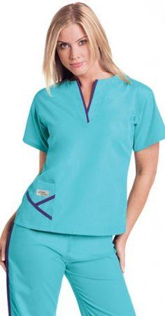 Urbane Scrubs – Fashion-Forward Styles in Hospital Scrubs Kimono Fashion, Work Fashion, Medical Scrubs, Nursing Scrubs, Stylish Scrubs, Cute Scrubs, Scrubs Uniform, Medical Uniforms, Pediatric Nursing