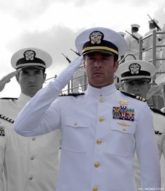 Steve McGarrett – An Officer and a Gentleman ……. Alex O'loughlin, Us Navy Uniforms, The Daughter Movie, An Officer And A Gentleman, Madam President, Go Navy, Ladies Gents, Men In Uniform, United States Navy