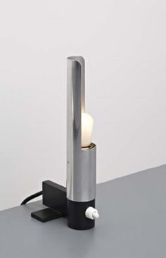 Gino Sarfatti; #585 Chromed and Enameled Metal Table Lamp for Arteluce, 1958.