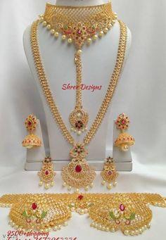 Jewelry Design Earrings, Gold Earrings Designs, Gold Jewellery Design, Gold Jewelry, Indian Bridal Jewelry Sets, Silver Jewellery Indian, Bridal Jewellery, Bridal Necklace Set, Gold Necklace