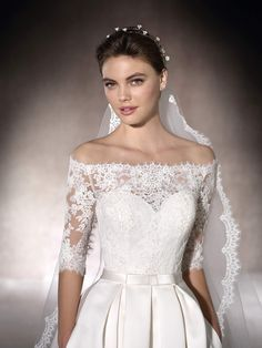 Wedding dress with off-the-shoulder neckline - Malca