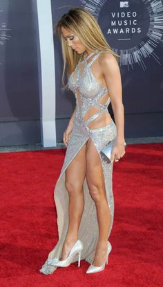 Jennifer Lopez – Upskirt Candids at