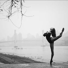 Sarah Scandrett by The Ballerina Project Ballet Pictures, Ballet Photos, Dance Photos, Dance Pictures, Senior Pictures, Contemporary Dance Photography, Dance Photography Poses, Outdoor Photography, Tango