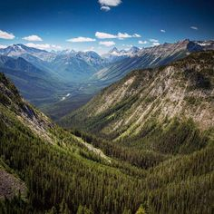 Who is getting out to the mountains this weekend? #canadianrockies #alberta